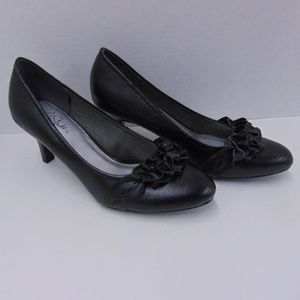 Life Stride Soft System Black Pumps Heels Shoes 9